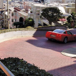 San Francisco could be adding a toll system to drivers on Lombard's famous crooked street.  photo: Nicolas Vigier