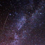 Perseid meteor and the Milky Way. photo: Wikimedia Commons