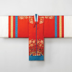 Bridal robe (hwarot), 2015. Reconstruction based on a Joseon‐dynasty garment, silk.  Photograph © Arumjigi Culture Keepers Foundation